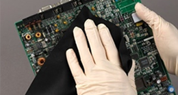Using Black Polyester Cleanroom Wipes: Is It Really Clean?