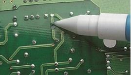 Picture of Reparaciones de Soldaduras Resistentes Usando el Lápiz de Recubrimiento CircuitWorks y Epoxi